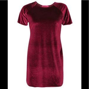 Boohoo Plus soft velvet shift dress